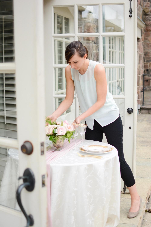 Table setting action -cherish